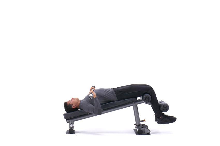 Подъем корпуса с жимом штанги на наклонной скамье