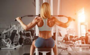 Тренировка спины в зале для девушек