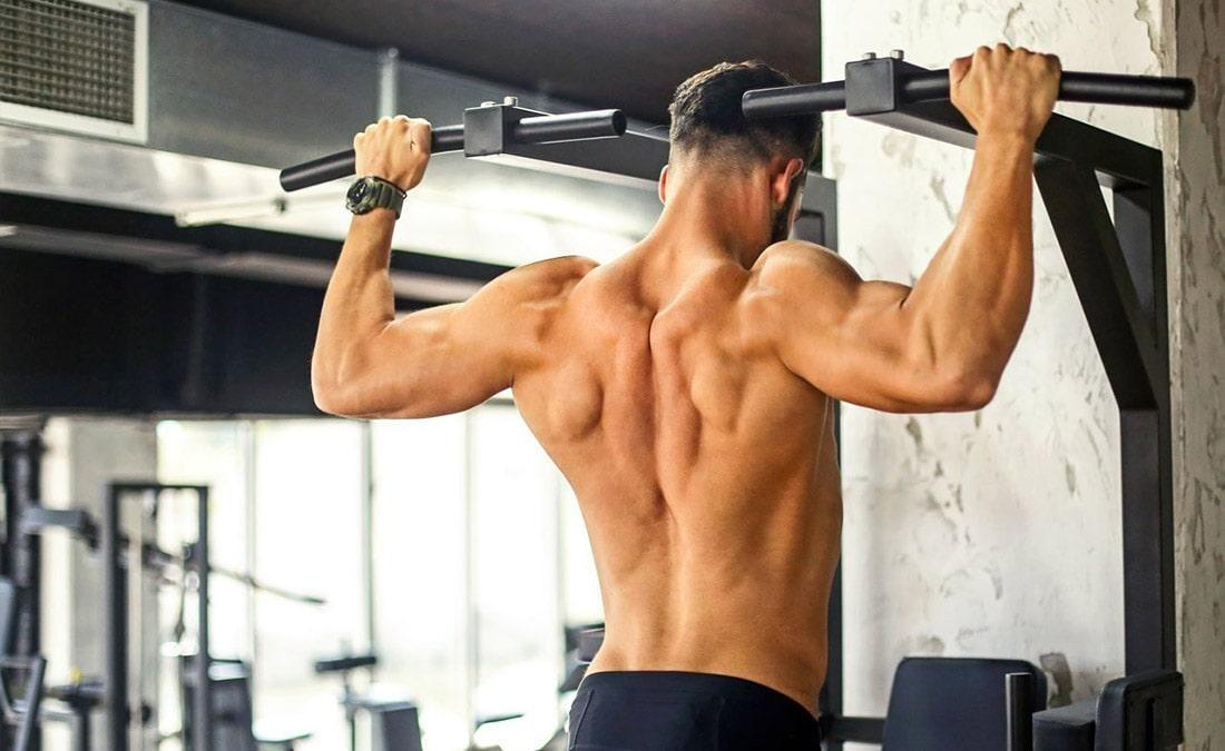 Тренировка спины и плеч в один день