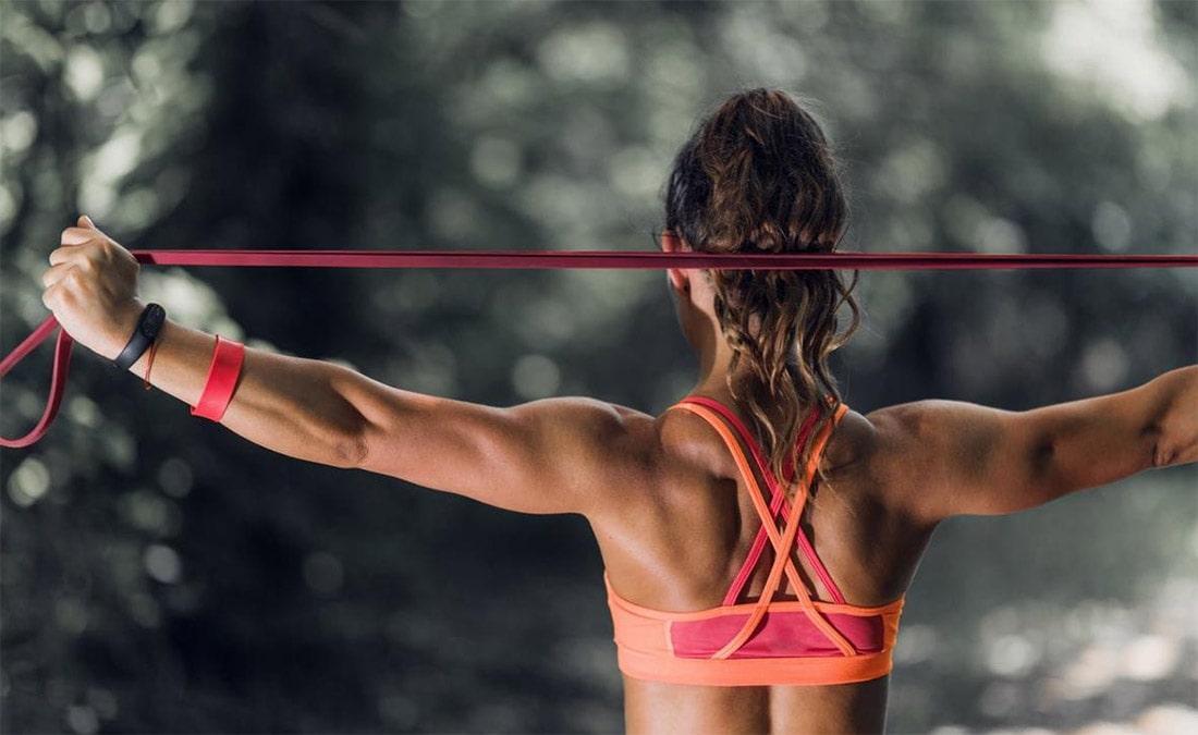 Упражнения для спины для женщин в домашних условиях